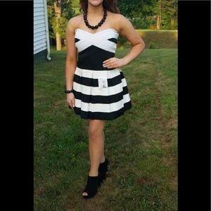 Black & White bandage dress Size M $15